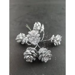 Szyszki na gałązce srebrne